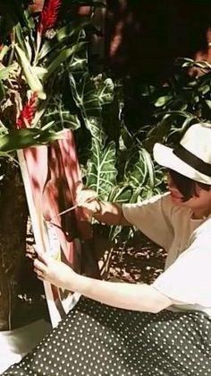 Artist Maibis Navarro painting in the garden Painting Process, Process Art, Design Process, Contemporary Artists, Fine Art, Creative, Garden, Artwork, Inspiration