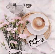 Everyone needs beautiful good morning images. When we wake up in the morning we send beautiful good morning images to our loved ones. Flat Lay Photography, Coffee Photography, Morning Photography, Photography Ideas, Good Morning Coffee, Coffee Break, Goog Morning, Morning Morning, Pause Café