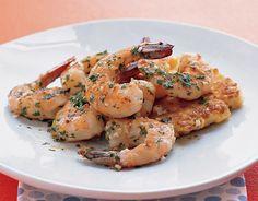 Cocina facil en tan solo 15 minutos estos exquisitos camarones con ajo y limón. Perfectos para tu dieta.
