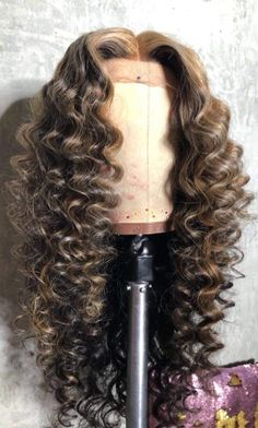 Beautiful long wavy wigs for black women lace front wigs human hair wigs long wavy hairstyles - My list of women's hair styles Box Braids Hairstyles, My Hairstyle, Black Hairstyles, Pretty Hairstyles, Hairstyles 2016, Curly Wigs, Human Hair Wigs, Lace Front Wigs, Lace Wigs