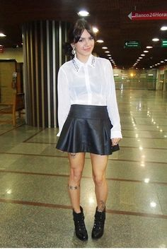 black-leather-renner-boots-black-leather-c-a-skirt-white-madame-ms-blouse_400.jpg (400×600)