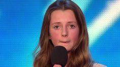 Quando anuncia a música que vai cantar os jurados ficam surpresos. Até q...