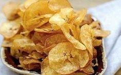 Mariquitas fettine di platano affettate molto sottilmente e poi fritte ricetta caraibica #maiquitas #cucina #caraibi
