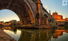 golden hour photography   Golden hour below Ponte Sant'Angelo