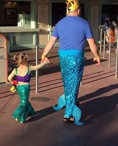 Mermaid And Merman is listed (or ranked) 1 on the list 25 Of The Funniest Photos Ever Taken At Disneyland Fantasia Disney, Ariel Disney, Disney Magic, Funniest Photos Ever, Funny Photos, Dad Of The Year, Reality Shows, Good Daddy, Dad Daughter