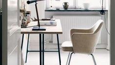 Cómo crear el espacio perfecto para trabajar en casa en tiempos de coronavirus Office Desk, Furniture, Home Decor, Work Spaces, Jobs At Home, Outer Space, Hearths, Desk Office, Decoration Home