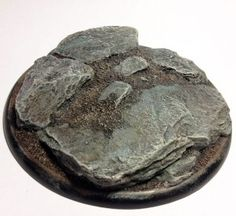 Hi there. Welcome to our first tutorial article in which we will be explaining one of the many possible ways of painting rocks for your wargames scenery and miniatures. One of the most common quest...