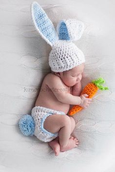 Poses Photo, Photo Props, Cute Baby Boy Images, Kangaroo Baby, Monthly Baby Photos, Unique Baby Clothes, Newborn Crochet, Newborn Baby Photography, Crochet Bunny