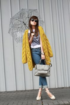 Sweater: H (in stores soon) / Necklace: Lamprini / T-Shirt: ASOS / Shoes: ZARA / Jeans: H Trend / Bag: Rebecca Minkoff   (image: stylescrapbook)