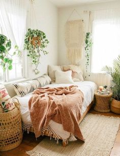 saratoufaliperks of having a joint guest bedroom/home office? the bed doubles as the perf spot for a lil break from work saratoufaliperks of having a joint guest bedroom/home office? the bed doubles as the perf spot for a lil break from work Bohemian Bedroom Design, Boho Bedroom Decor, Boho Room, Bohemian Homes, Bohemian Bedroom Decor, Hippie Bedrooms, Bedroom Inspo, Bohemian Style Rooms, Apartment Bedroom Decor