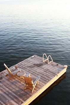 Summertime Inspiration: Dusky July Mornings & Cool August Nights :: This Is Glamorous Lake Water, Elements Of Style, Packing List For Travel, Lake Life, Outdoor Furniture, Outdoor Decor, Sun Lounger, Outdoor Spaces, Summertime