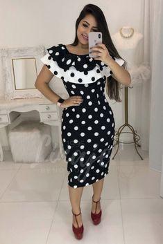 Simple Dresses, Pretty Dresses, Casual Dresses, Fashion Tips For Women, Womens Fashion, Kente Dress, Mom Dress, Dress Skirt, Vestido Dress