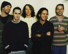 Pearl Jam @The War Memorial (Rochester, NY): http://www.pearljam.com/show/war-memorial-apr-07-1994