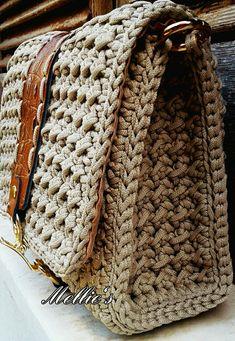 Www puddycatshoes com salvabrani Crochet Wallet, Free Crochet Bag, Crochet Wool, Crochet Bags, Crochet Handbags, Crochet Purses, Knitting Patterns, Crochet Patterns, Knitted Bags