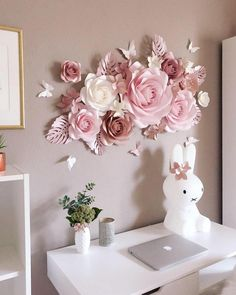 Girl Nursery Wall Decor - Paper Flowers Nursery - Nursery Paper Flowers Decoration - Paper Flower Decor - Paper Flowers Set for Girl Nursery - Mädchen Kinderzimmer Wand-Dekor Papier Blumen Kinderzimmer Paper Flower Decor, Large Paper Flowers, Paper Flowers Wedding, Flower Wall Decor, Flower Crafts, Diy Flowers, Flower Decorations, Paper Flowers On Wall, Diy Paper Flower Backdrop