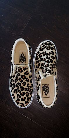 crazy shoes Feb 2020 - This Pin was discovered - Vans Leopard, Cheetah Print Outfits, Leopard Slip On Sneakers, Cheetah Print Shoes, Vans Slip On, Slip On Shoes, Crazy Shoes, Me Too Shoes, Sneakers Fashion