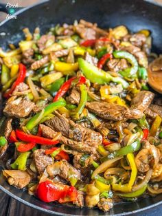 This slimming friendly Stir-fried Beef with Ginger and Spring Onion tastes like a takeaway, but has far less calories and Weight Watchers Points! Slimming World Stir Fry, Spring Onion Recipes, Chinese Fakeaway, Cooking Whole Chicken, Fried Beef, Beef Stir Fry, Slimming World Recipes, Slimming Eats, Light Recipes