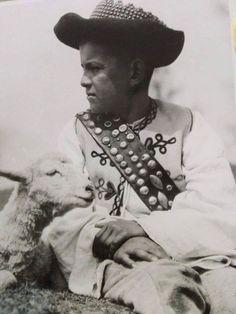 "leregretdestempspasses: ""Boy with his lamb. Folk Clothing, Traditional Outfits, Culture, Lamb, Boys, Folk Costume, Fields, Travelling, Sleep"