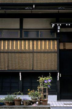 Gifu-ken, Takayama, Japan by Owen Murray Japanese Architecture, Architecture Details, Japanese Plants, Wooden Facade, Traditional Japanese House, Gifu, Japanese Streets, Grill Design, Japanese Aesthetic