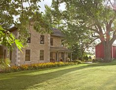Wiscosin Home ... 1883 house displays unusually refined masonry for a Wisconsin farm, with large, elegant cornerstones.