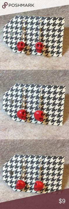 Red Skull 💀Earrings Handmade red skull earrings. Measures 1 5/8 inch. Handmade Jewelry Earrings