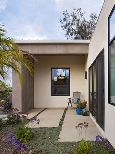Flat Roof Design, Pictures, Remodel, Decor and Ideas - page 72 (like the pavement style) Beautiful Houses Interior, Beautiful Homes, Mid Century Modern Landscaping, Flat Roof Design, Modern Patio Design, Concrete Paving, Outdoor Living, Outdoor Decor, Landscape Architecture