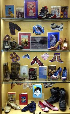 Try Walking in Someone Else's Shoes Library Book Display Great for our October disability BB School Library Displays, Middle School Libraries, Elementary Library, Library Inspiration, Library Ideas, Library Themes, Children's Library, Reading Display, Book Reviews For Kids