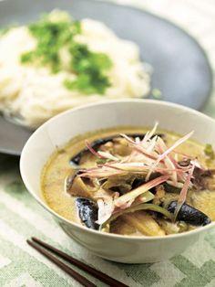 スープたっぷりの簡単カレーは、そうめんと一緒に食べるのが正解|『ELLE a table』はおしゃれで簡単なレシピが満載!