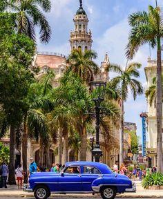 La Habana, donde el tiempo se detuvo para darle su encanto (sólo para los turistas)...para el que vive allí, todo es retroceso!