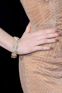 Al detalle todas las joyas sobre la alfombra roja de los Oscar 2013: brazalete de Harry Winston de Jessica Chastain