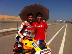 alex changed my position to be umbrella girl for marc marquez :D