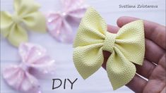 Bow in 5 minutes 🎀🎀🎀 A very easy way to make bows Easy Hair Bows, Making Hair Bows, Hair Bow Tutorial, Doll Tutorial, Diy Ribbon Flowers, Fabric Flowers, Baby Flower Headbands, Baby Bows, Ribbon Hair