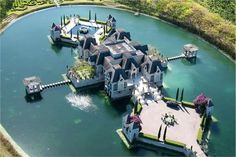 CHATEAU ARTISAN... Fell in love with this Florida home on Extreme WaterHomes <3