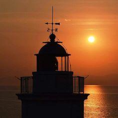 Buona serata dal faro di bastia vacanze all'isola d'elba. http://ift.tt/1NHxzN3