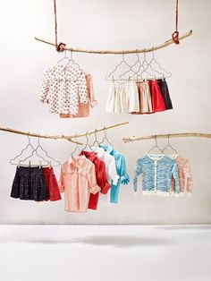 Discover the latest trends in Mango fashion, footwear and accessories. Shop the best outfits for this season at our online store. Kids Fashion Photography, Clothing Photography, Kids Store Display, Fashion Store Design, Kids Hangers, Clothing Studio, Flatlay Styling, Fashion Catalogue, Mango Fashion