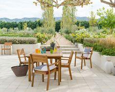 Et si vous faisiez un petit tour du côté de notre nouvelle collection de mobilier de jardin 2018 ? Vous allez voir, cela va vous donner envie de vous créer un beau petit espace, où il fait bon vivre ! #leroymerlin #interiorinspiration #madecoamoi #homedesign #garden