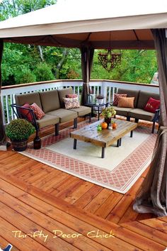 square deck decorati