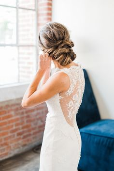 Lace back wedding dress | Photography: A.J. Dunlap