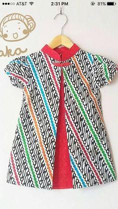20 Ideas Fashion Show Batik Anak 20 Ideas Fashion + Blouse Batik, Batik Dress, Baby Girl Fashion, Kids Fashion, African Dresses For Kids, African Blouses, Dress Anak, Batik Fashion, Frocks For Girls