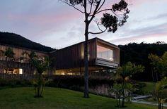 JN Residence / Jacobsen Arquitetura