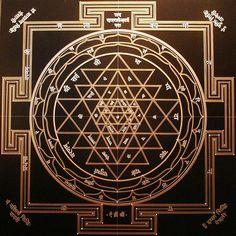 Joma Sipe Obras l Works 2006 l 2012 Tatuagem Yantra, Yantra Tattoo, Sacred Symbols, Sacred Art, Tantra Art, Lord Ganesha Paintings, Ganesha Art, Hanuman Wallpaper, Chakras