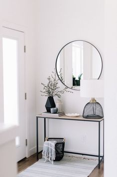 5 More Ways to Get More Natural Sunlight in Your Home | Decorated Life Mirrors add more natural sunlight to entries - From 204Park.com Interior, Hall Decor, Decor Interior Design, Home Decor, House Interior, Apartment Decor, Interior Design, Living Decor, Minimalist Home
