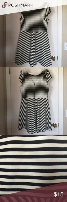 Pixley Fit & Flare Striped Dress - Size XL Striped, fit & flare dress with v-back from Pixley.  Bought from StitchFix and wore a couple of times. Has a small bit of pilling (3rd picture) from wearing with a belt. Size XL Pixley Dresses Midi