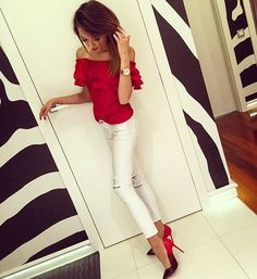 Dziękuje @labotti_pl za piekne szpilki ❤️😻 bluzeczka od @boholife_style 🔝spodnie @magic_women_katarina 👌🏽 #fashion #amazing #beautiful #best #good #day #red #saturday #night #highheels #sexy #red #hair #polishgirl #brunette #body #fitness #warsaw #home #watch #happy #great #stylish