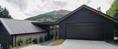 Arthur's Point House | Black Cladding, Concrete Wall, First Family Home Inspiration, family Home Design, First Home Architecture | NZ Homes | Build me. | buildme.co.nz |