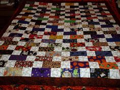 Halloween Quilt....would use different fabric..