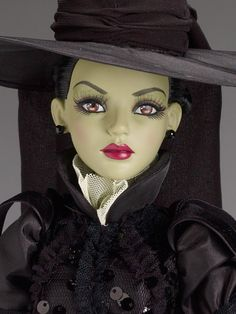 Tonner Doll - Wicked Witch of the West - 75th Anniversary Collection - close up
