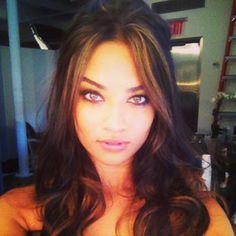 Shanina  Shaik. Beautiful. Love the hair