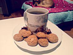 Green cinnamon tea with amaretti!!