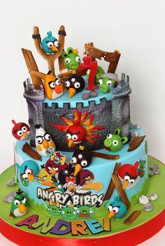 Torturi - Viorica's cakes: Tort Angry Birds pentru Andrei Character Cakes, Kid Character, Bird Cakes, Cupcake Cakes, Cupcakes, Unique Cakes, Creative Cakes, Bird Birthday Parties, Birthday Cake